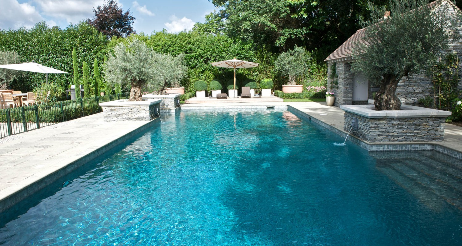 Outdoor swimming pool construction design falcon pools for Big garden pools