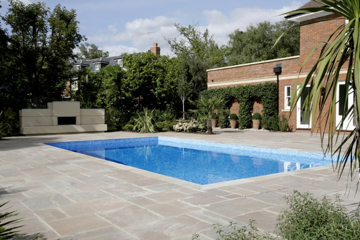 Outdoor classic swimming pool