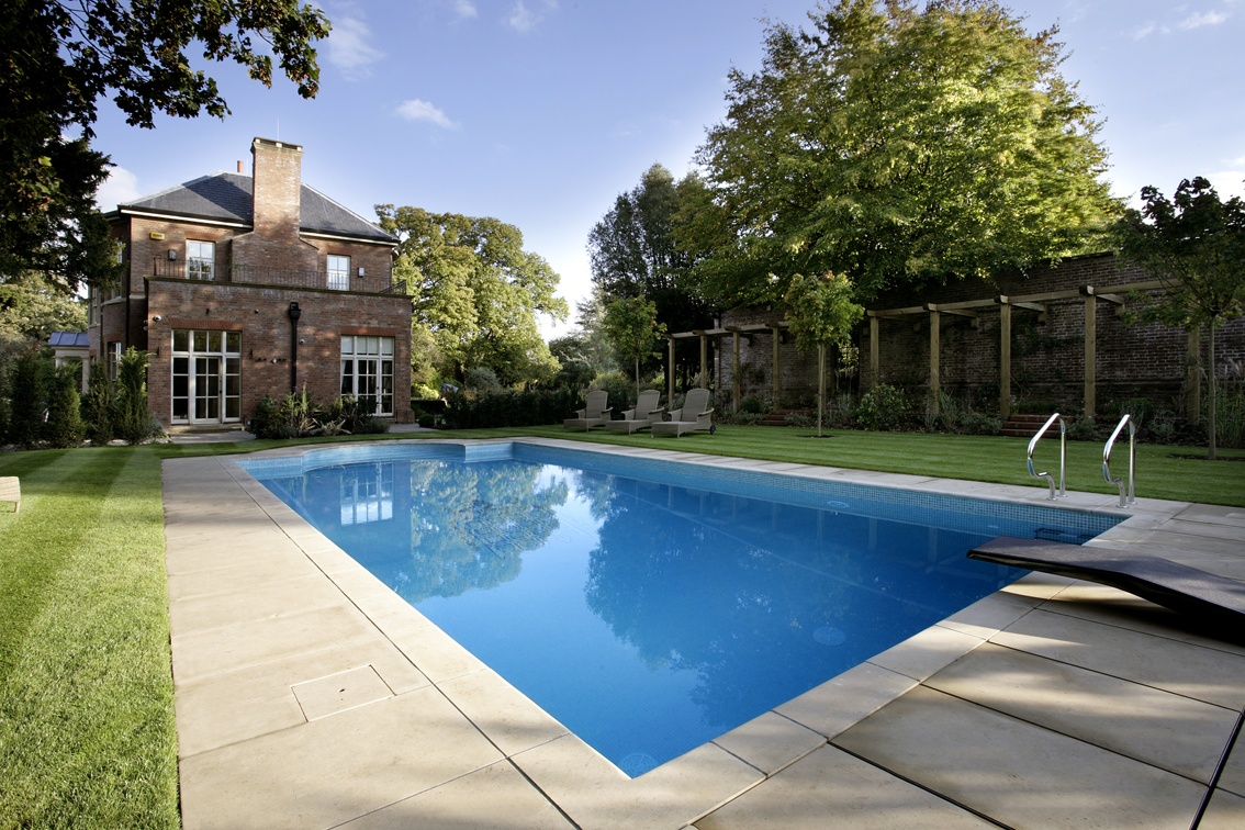 Outdoor swimming pools uk images for Pool exterior design