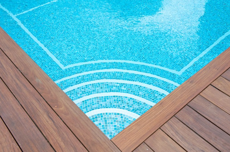 Outdoor pool decking finish