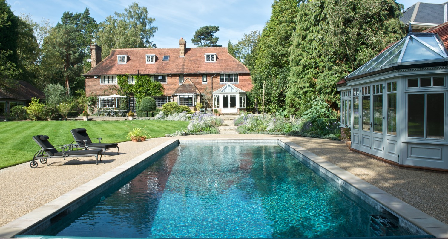 Builders Of Award Winning Outdoor Pools