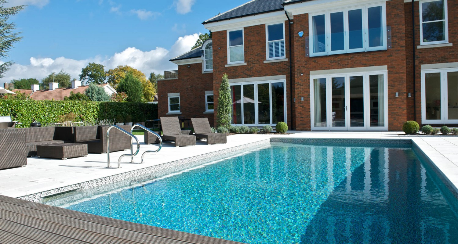 Outdoor swimming pool construction design falcon pools - Houses in england with swimming pools ...
