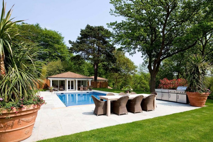 Outdoor pool with summer house