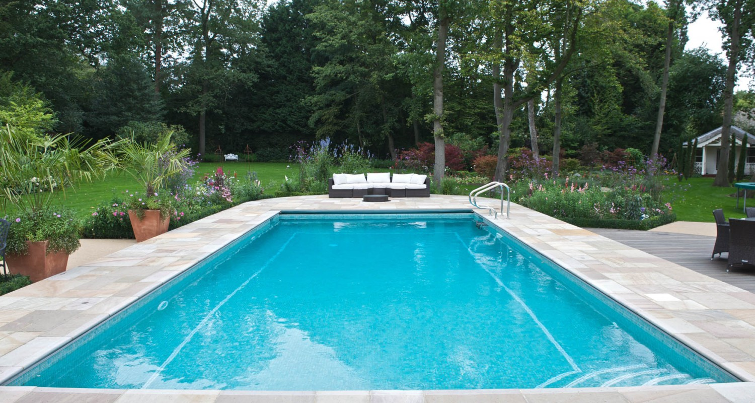 Outdoor swimming pool construction design falcon pools for Pictures of a pool