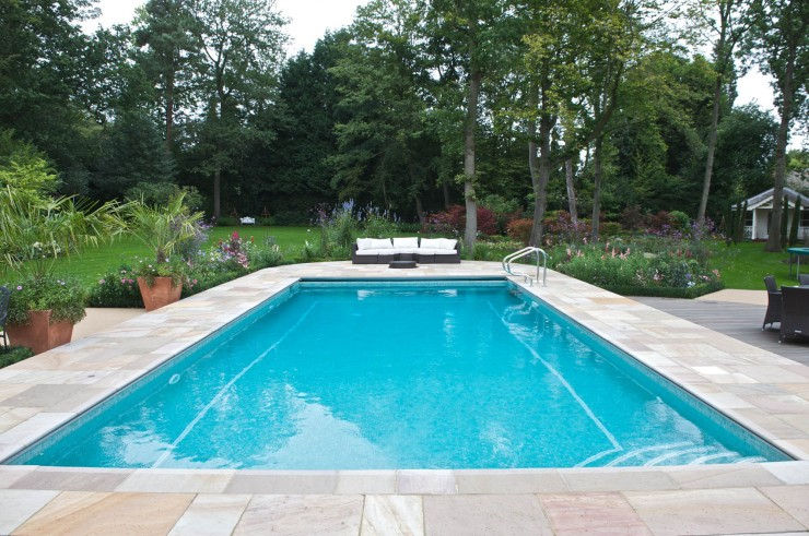 Outdoor pool with tiling