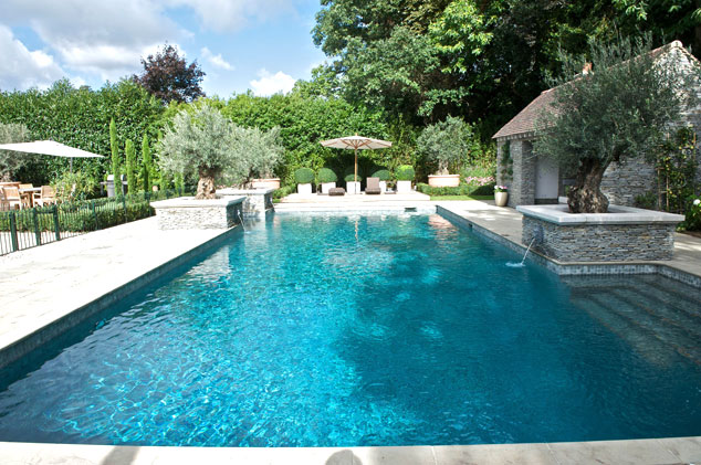 Outdoor pool with feature